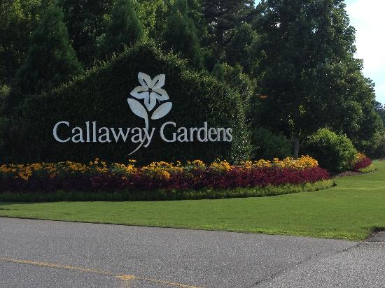 Entrance sign to Callaway gardens.