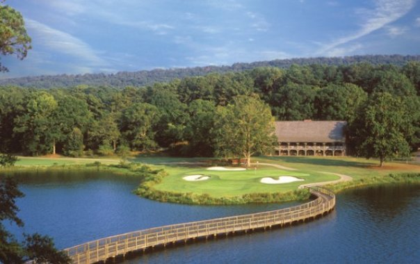Lake View course has many water traps and is the location of The Veranda Restaurant overlooking the greens.
