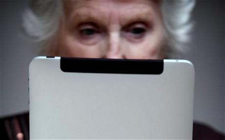 older-people-e-readers-tablets