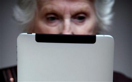 older-people-e-readers-tablets