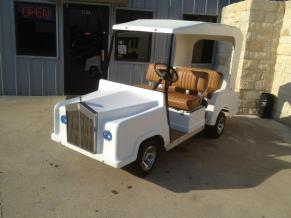 Custom-Royal-Ride-Golf-Cart-with-Grill